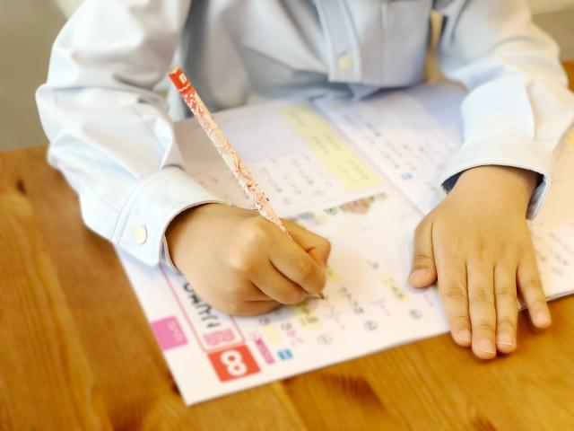 【7歳子供の吃音症】3歳からのどもり、ひどい状態から改善中(小1)